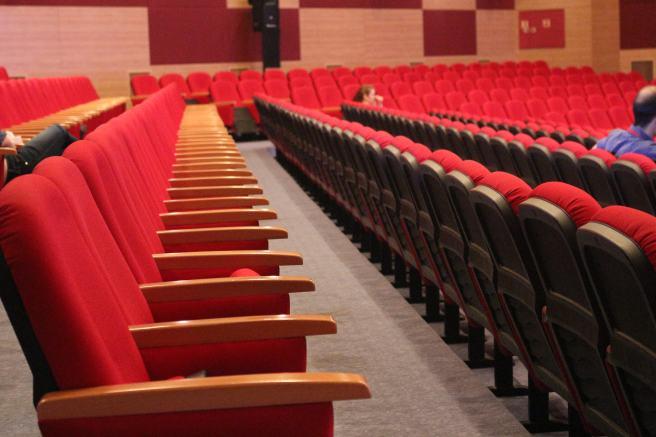 konferans salonu.jpg